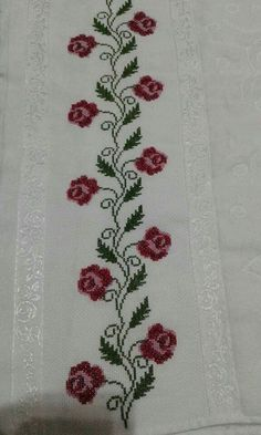 Towel with Cross-Stitch Hand Embroidery Design Patterns, Hand Embroidery Stitches, Beaded Embroidery, Cross Stitch Embroidery, Just Cross Stitch, Cross Stitch Flowers, Canvas Template, Cross Stitch Designs, Cross Stitch Patterns