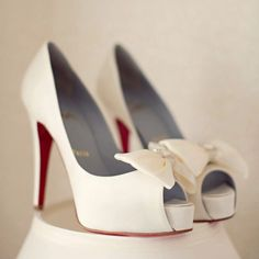 Beautiful Louboutin Bow Heels