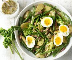 Liege Salad - A true classic from across the linguistic border: Liège salad or Liègoise salad. A delicious sala - Low Carb Vegetarian Recipes, Pureed Food Recipes, Salad Recipes, Healthy Recipes, Plats Healthy, Healthy Salads, Healthy Eating, Salade Caprese, Good Food