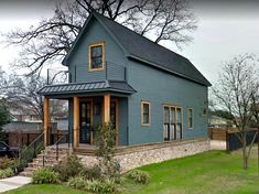 "The Tiny Shotgun House from Fixer Upper Is For Sale in Texas - - Remember when Chip and Joanna Gaines gave this tiny shotgun house a major makeover on ""Fixer Upper""? It's on the market in Waco. Take a look! Italian Style Home, Fixer Upper House, Fixer Upper Shotgun House, Fixer Upper Hgtv, Shotgun House Plans, Little White House, Narrow House, Modern Farmhouse Exterior, Modern Craftsman"