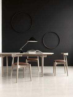 Love this black wall with the 2 circle frames of same color  Source: Tumblr Alter Ego Diego: Interior Design Inspiration