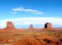 Monument Valley, Navajo Tribal Path,  Utah / Arizona.....♔....