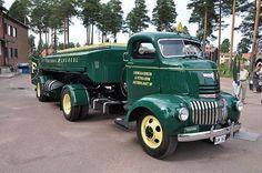 1942 Chevrolet COE tractor and semi tanker,: