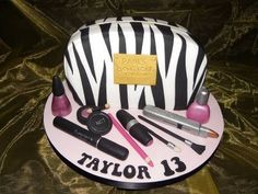 Make up Bag  Cake by Kazmick