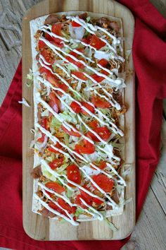 Skinny Taco Pizza - Recipe From : Weight Watchers Smartpoints Included Skinny Recipes, Ww Recipes, Mexican Food Recipes, Low Carb Recipes, Dinner Recipes, Cooking Recipes, Healthy Recipes, Turkey Recipes, Pizza