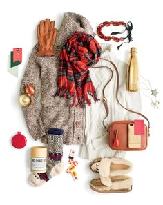 Do you speak J.Crew? Present-Topia. The magical place where your wildest gift-shopping dreams come true—and the Italian cashmere grows on trees. Winter Wear, Autumn Winter Fashion, Winter 2017, Fall 2016, Preppy Gifts, Preppy Style, My Style, Fall Fashion Trends, Winter Wardrobe