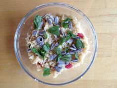 Healthy Quinoa and Greek Yogurt Breakfast Bowl — A great way to incorporate one of the healthiest grains into one of the most important meals of the day. (Click on image for recipe) via @Harriet Adkins Living