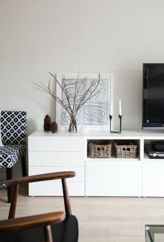Tv Schrank in weißer Farbe