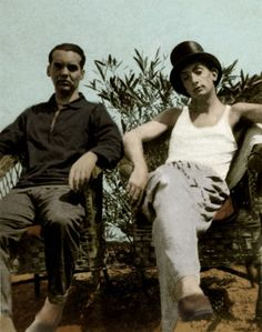 Federico Garc'a Lorca and Salvador Dali - in CadaquŽs, Spain. Photo by Enrique Beck. FGL, Spanish write & playwright: 5 June 1898 - 19 August SD, Spanish artist: 11 May 1904 - 23 January Get premium, high resolution news photos at Getty Images Writers And Poets, Salvador Dali, Spanish Artists, Charles Bukowski, Granada, Photo Art, Literature, Images, Spain