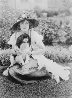 Mildred Davis with her pup, 1921