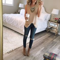 Woot! It's almost Spring and I can't wait to change the wardrobe. Get lot's of inspiration with these 30 Cute Spring Outfits to Try this year!!!