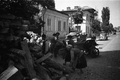 Anul 1941, Cotroceni strada Sfantul Elefterie nr.35 – Cotroceni1900.ro Bucharest Romania, Old Pictures, Memories, Mai, Beauty, Military, Life, Memoirs, Antique Photos