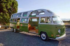 Volkswagen Camper van is one of the most iconic van of the all time favorite. The history of the VW Camper Van is its own saga, but since mid last century the van has been extremely popular with all over the world Volkswagen Bus, Volkswagen Transporter, Vw Camper, Kombi Motorhome, Vw T1, Campervan, Hybrid Camper, Combi Ww, Kombi Home