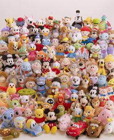 Disney beanscollection Disney Style, Disney Love, Toys Land, Fun Places To Go, Disney Plush, Toy Rooms, Disney And More, Plushies, Cartoon Characters