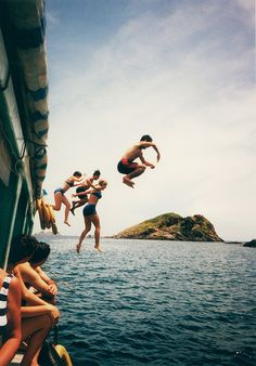 Jumping shot from a boat into the ocean via mita yuu
