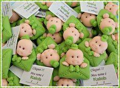 Lembrançinha de bebe para maternidade, nascimento, ou cha de bebe, pode ser confeccionada como chaveiro, ima, aplique,  quantidade minima 30 unidades modelada na cor desejada pelo cliente R$ 2,00