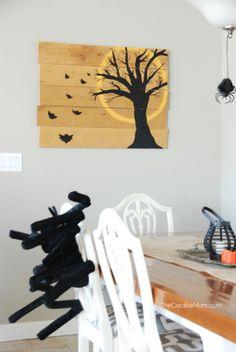 DIY Halloween Pallet Art from Natalie @TheCreativeMom