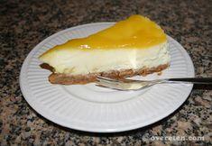 Laatst bakte ik een citroencheesecake uit het boek 'Cheesecake' van Keda Black. De taart was werkelijk heerlijk, en ook vanwege de eenvoud absoluut een aanrader! Ingrediënten: 100 gram citroenzandk...