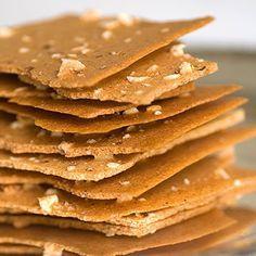 Knusperzarte Haselnussblätter: 100 g Haselnusskerne, 50 g Zucker, 1/4 TL feines…