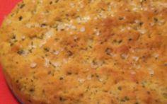 Ricetta Semplice: la focaccia alla salvia Oggi Vi presento Paola del Blog Primo, Non Sprecare. Si definisce una genovese in cucina, io aggiungo una genovese che di cucina ne sa!!! Ha realizzato per noi una focaccia alla salvia veramente buon #focaccia #ricettaveloce