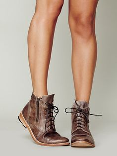 Bed Stu Double Rafter Boot http://www.freepeople.co.uk/whats-new/double-rafter-boot/