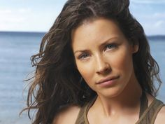 Hot and Sizzling Pics of Evangeline Lilly