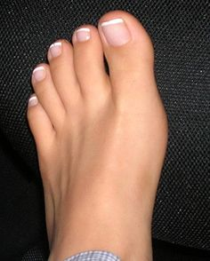 young-exit-now-hot-teen-feet