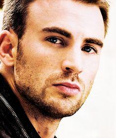 Chris Evans... Hello handsome. <3
