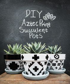 DIY Aztec Print Succulent Pots - Love and Specs - Looking for an easy home DIY craft project you can finish in one afternoon? This decor tutorial is - Painted Plant Pots, Painted Flower Pots, Diy Craft Projects, Crafts, Succulent Pots, Succulents Diy, Aztec Decor, Pot Jardin, Terracotta Pots