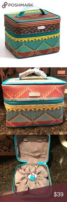 Silpada Tucson Jewelry Travel Train Case Box F0007 Silpada Tucson Jewelry Travel Train Case Box Silpada Jewelry Bracelets