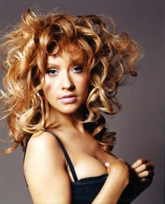 Christina Aguilera - Full Size - Page 23 Christina Aguilera Beautiful, Britney Spears Photos, Wind In My Hair, Caucasian Woman, Waves Curls, Hollywood Actresses, Celebrity Photos, My Idol, Hair Inspiration