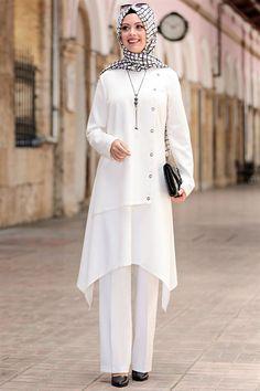 Muslim Women Fashion, Islamic Fashion, Stylish Dress Designs, Stylish Dresses, Girls Fashion Clothes, Fashion Dresses, Casual Frocks, Beautiful Pakistani Dresses, Hijab Fashion Inspiration