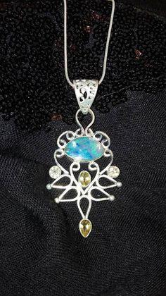 Guarda questo articolo nel mio negozio Etsy https://www.etsy.com/it/listing/491283918/ciondolo-in-argento-con-opale-arlecchino