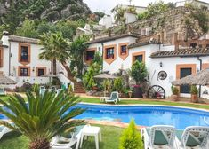 Foodie in Andalusie Andalusia, Travel Inspiration, Portugal, Camping, Mansions, House Styles, City, Outdoor Decor, Holiday