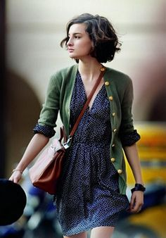 Love the dress, love the cardigan, love the bag, and LOVE the hair! (Can't even decide which board to pin it to. Ha!)
