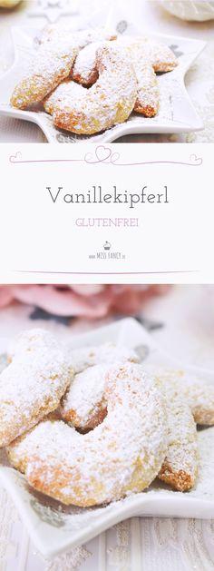 Wer sich glutenfrei ernähren muss, ist wirklich auf gute und leckere Rezepte angewiesen, deshalb heute bei mir glutenfreie Vanillekipferl, die super lecker sind. Das Rezept ist super einfach nachzubacken!!! #Weihnachtsplätzchen #Christmascookies #Vanillekipferl