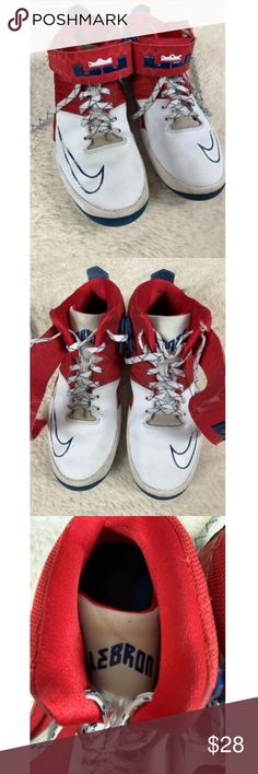 dbd05302e54 Nike Air Akronite Mid Top Lebron James Sneakers Nike Air Akronite Mid Top Lebron  James Sneakers