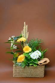 Image result for pot et fleur floral design