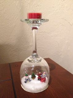 30 Cheap and Easy Homemade Wine Glasses Christmas Candle Holders Diy Snowman Decorations, Christmas Table Decorations, Snow Globe Crafts, Xmas Crafts, Christmas Wine Glasses, Wine Glass Candle Holder, Glass Candle Holders, Wine Glass Crafts, Christmas Candle Holders