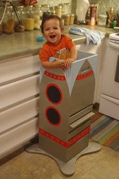 DIY learning tower for the kitchen. If we build one of these, it's going to … DIY learning tower for the kitchen. If we build one of these, it's going to come with a removeable top with cage bars. Toddler Toys, Toddler Activities, Wood Projects, Woodworking Projects, Woodworking Videos, Diy For Kids, Crafts For Kids, Learning Tower, Developmental Toys