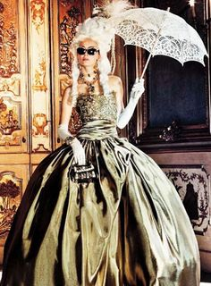 43ff495f7e7 MARCHESA | Ymre Stiekema | photo Giampaolo Sgura | Vogue Japan October 2012  Burlesque, Μεσαιωνικός