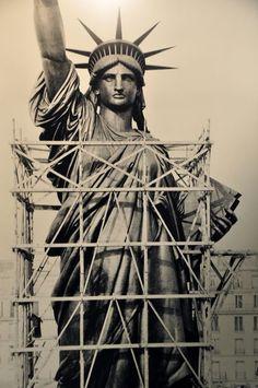 Résultats Google Recherche d'images correspondant à http://laflaneuse.org/wp-content/gallery/statue-de-la-liberte/la-statue-de-la-liberte-en-construction.jpg