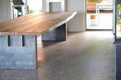 Tisch Eiche massiv, Stahl