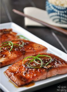 Quick and Easy Sumptuous Salmon by nogojisnoglory: Perfect for a weeknight dinner. #Salmon #Rice_Vinegar #Soy_Sauce #Garlic #Ginger #Honey #Chili_Paste #Easy #Healthy