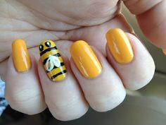 Really cute Yellow nail art designs - Styles Glam Nails, Beauty Nails, Cute Nails, Pretty Nails, Bumble Bee Nails, Hair And Nails, My Nails, Bee Makeup, Bend And Snap
