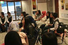 Siswa-siswi SMA Negeri 2 Surabaya cari ilmu di Australia, KJRI Perth, Rabu (15/4/2015)