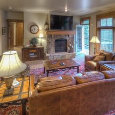 So sad bc you might have missed out on a Keystone Labor Day weekend? Cheer up! We have 2 units with Friday-Saturday availability. This is Lone Eagle #3042. Visit scmountainretreats.com to book!  #scretreats #tw #keystoneresort #laborday #labordayweekend #keystonecolorado #visitcolorado