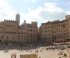 View of the square Piazza del Campo | Museo Civico, 53100 Siena, Italy