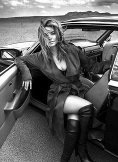 Shania Twain by Mert & Marcus Divas, Shania Twain Pictures, Celebrity Boots, Black And White Portraits, Country Singers, Country Musicians, New Instagram, Female Singers, Country Girls