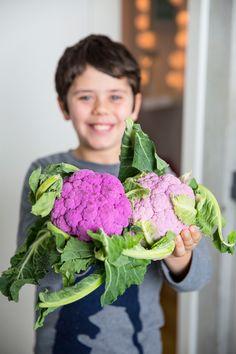 Salada de couve-flor roxa Lettuce, Cauliflower, Vegetables, Design, Hello Spring, Cauliflower Salad, Purple Flowers, Purple, Salads